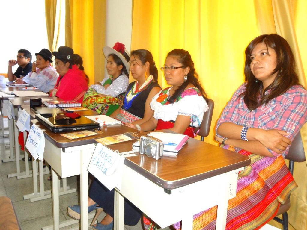 Mujeres de la Universidad Intercultural Amawtay Wasi