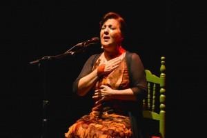 Carmen Linares cantando por tarantas