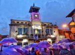 El Ayuntamiento de La Robla organiza una venta solidaria de paraguas a beneficio de la FFM Isadora Duncan