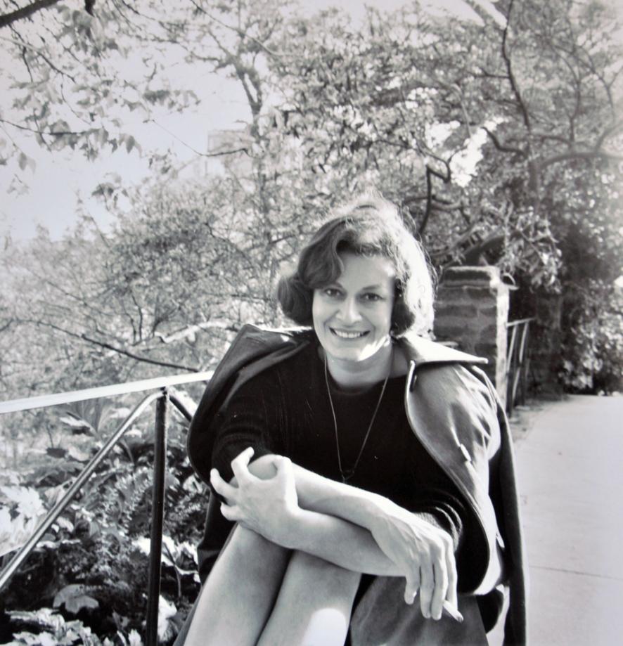 Meri Lao Nombre real: Franco de Lao, América Pianista, compositora, cantautora, escritora, letrista (26 febrero 1928 - 29 agosto 2017) Lugar de nacimiento:Milán Italia