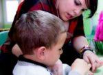 ¿Tienen las monoparentales de una única progenitora el derecho de prestación por paternidad?